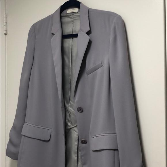 Never worn Aritzia Babaton Demy blazer. Size XS.